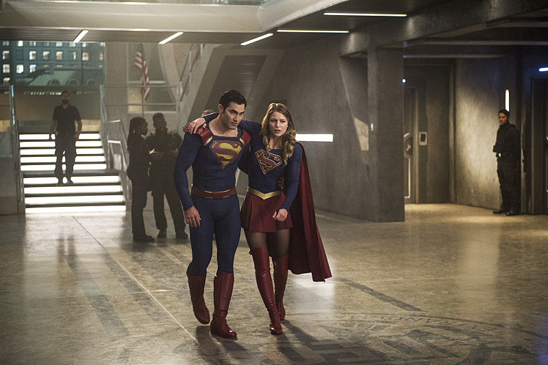 "Supergirl -- ""The Last Children of Krypton"" -- Image SPG202b_0069 -- Pictured (L-R): Tyler Hoechlin as Clark/Superman and Melissa Benoist Kara/Supergirl -- Photo: Diyah Pera/The CW -- © 2016 The CW Network, LLC. All Rights Reserved"
