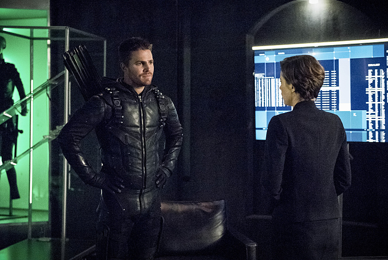 "Arrow -- ""Penance"" -- Image AR504b_0343b.jpg -- Pictured (L-R): Stephen Amell as Oliver Queen and Audrey Marie Anderson as Lyla Michaels -- Photo: Dean Buscher/The CW -- © 2016 The CW Network, LLC. All Rights Reserved."